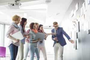 Arbeiten im Marketing - Arbeitsgruppe in Diskussion