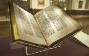 """Die Gutenberg Bibel stellvertretend für die Innovation """"Buchdruck"""""""