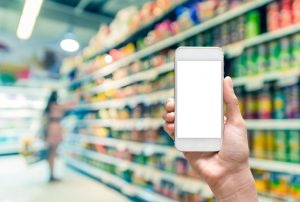 Produktname im Laden mit iPhone
